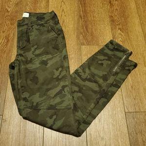 Womens Mudd Camo Skinny Jeans size 7
